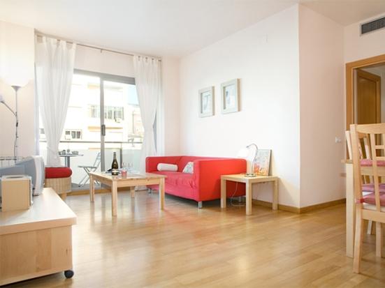 Si vienes a las Fiestas de Gràcia y buscas pisos de alquiler por temporada  en la zona, haz click aquí