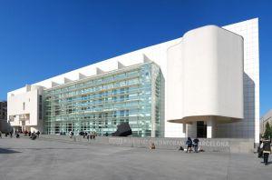Fachaca del MACBA, Museo de Arte Contemporáneo de Barcelona, en el barrio EL Raval.