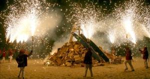 Correfocs tradición San Joan BarcelonaNoche de San Juan Barcelona playa